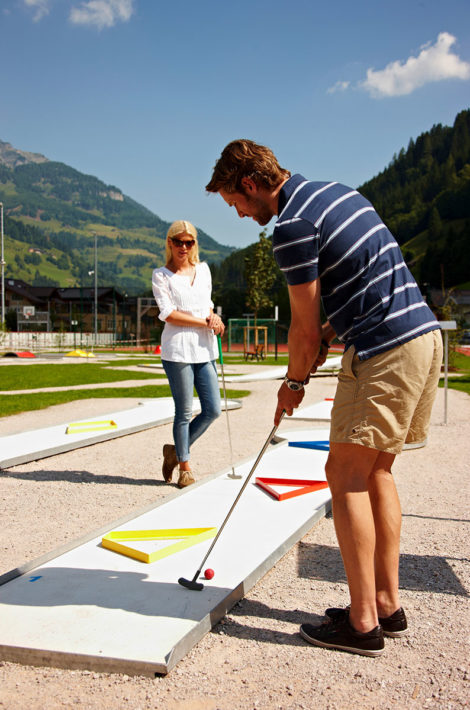 Pfandlinghof Grossarl, Urlaub mit Familie im Tal der Almen, Minigolfanlage im Freizeitzentrum